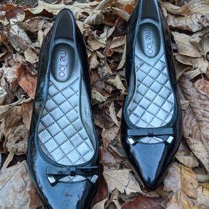 me Too Black Patent Leather Low Kitten Heels 8.5M